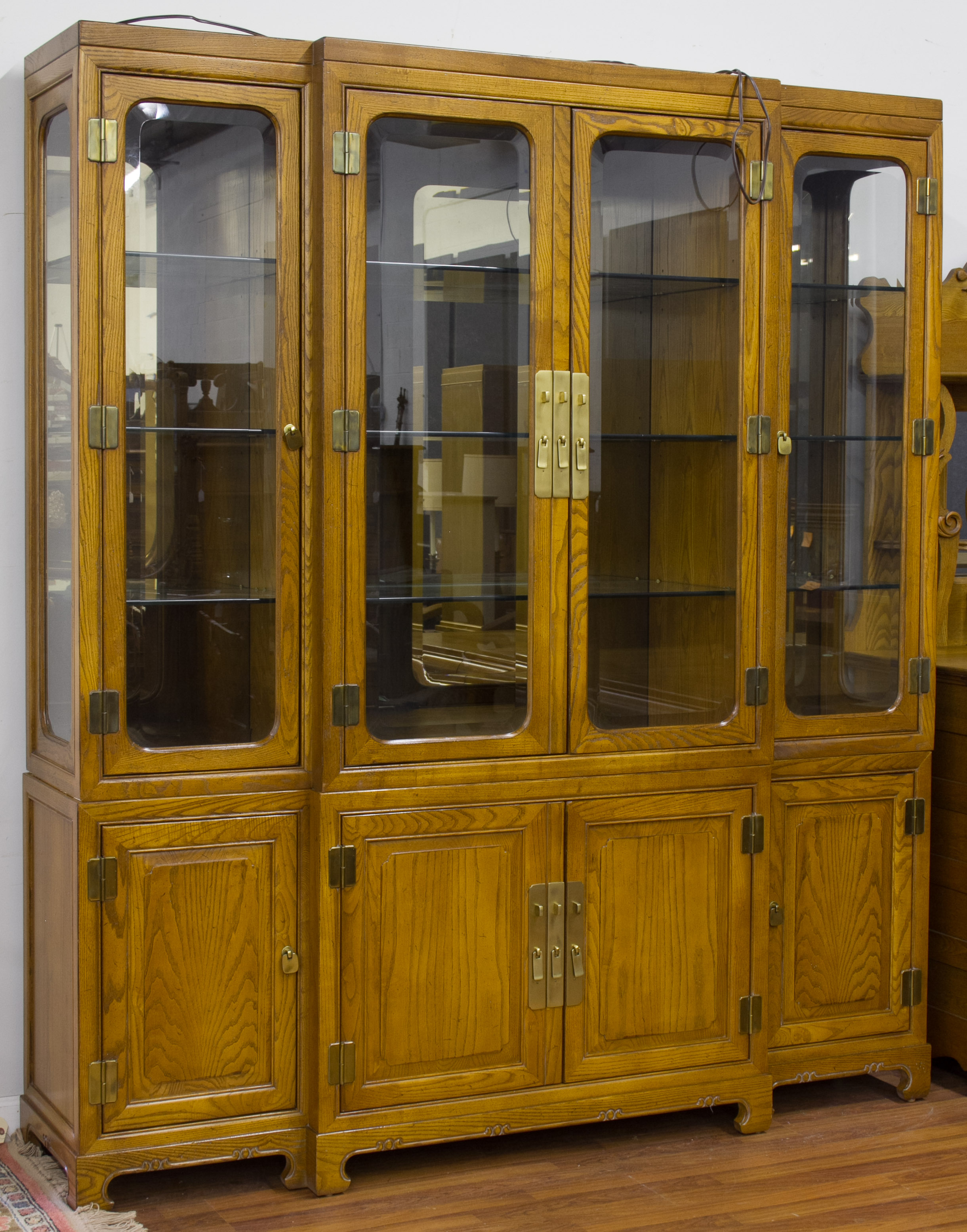 for Auctions kitchen cabinets