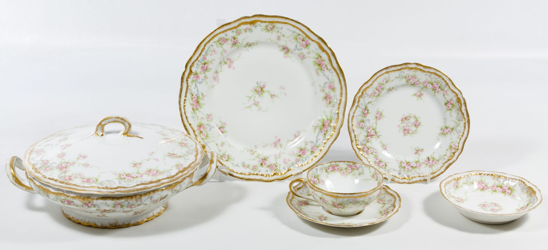 Lot 426 Theodore Haviland Limoges China Service Leonard Auction