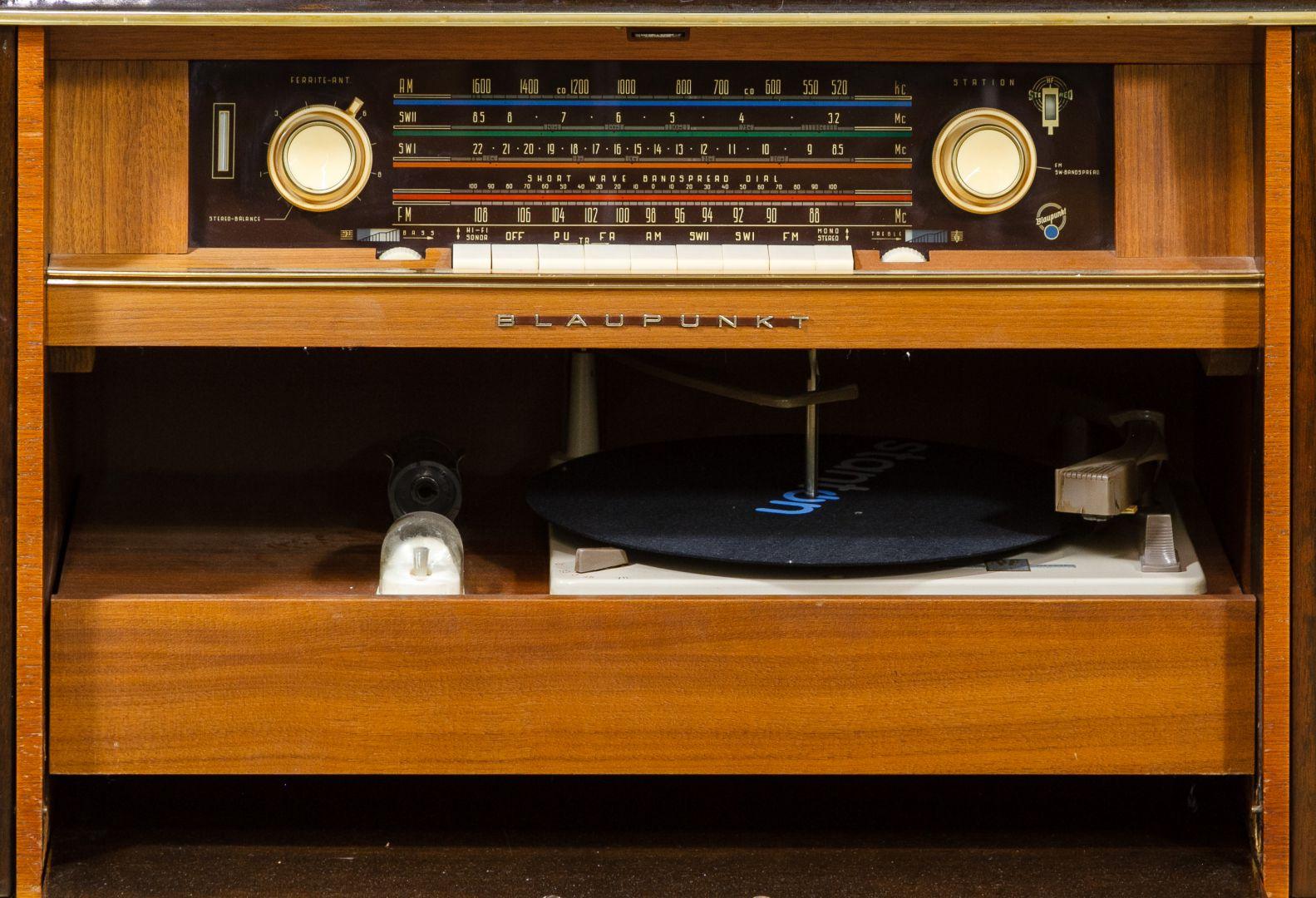 Lot 411 Blaupunkt Valencia Deluxe Console Stereo
