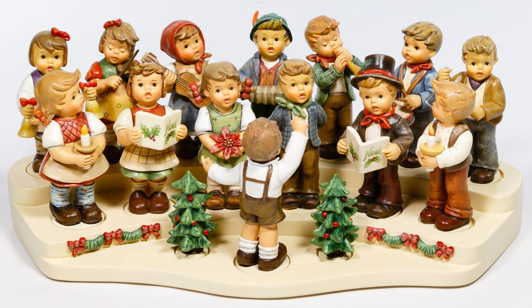 Christmas Choir.Lot 225 Hummel Christmas Choir Figurine And Stand