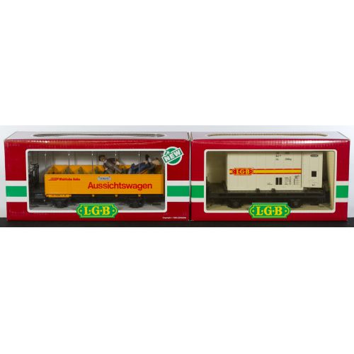 "LGB Cars #3025 ""St Moritz Aussichtswagen"" & #4003 ""Flat Bed with Freight Container"" (2pcs)"