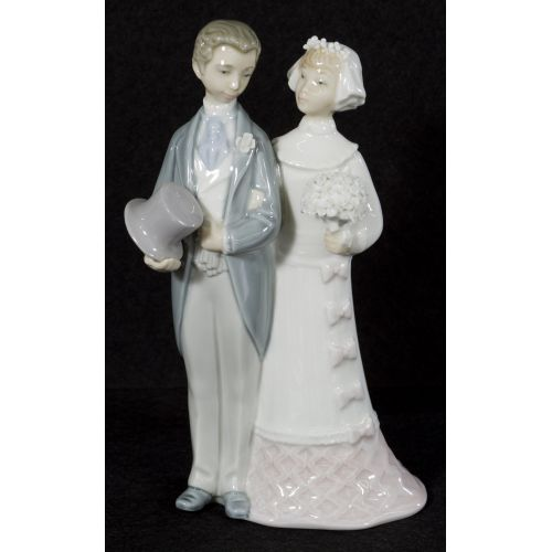 "Lladro ""Wedding"" #4808 Glazed Retired"