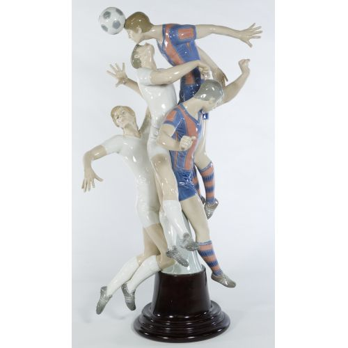 "Lladro ""Soccer Players"" #1266 Glazed Retired LE 204/500 on wooden base"