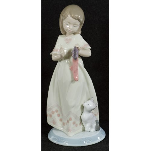 """Lladro """"A Stocking For Kitty"""" #6669 Glazed Retired"""