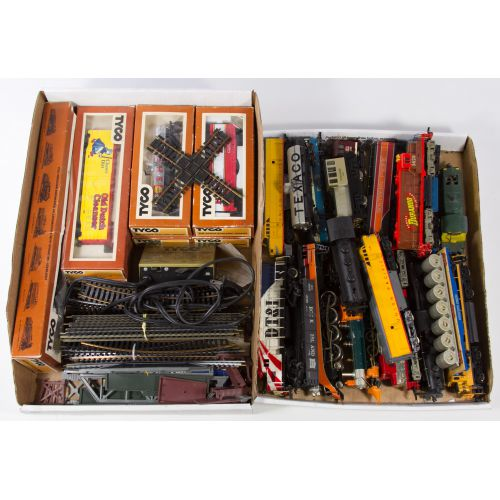 HO Scale Model Train Engines, Cars and Track