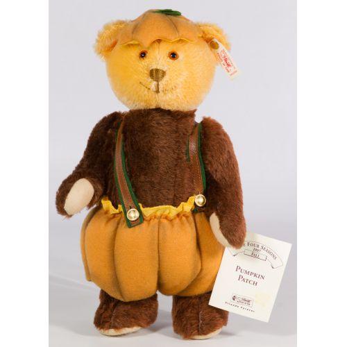 """Steiff """"Pumpkin Patch"""" Four Seasons Bear"""