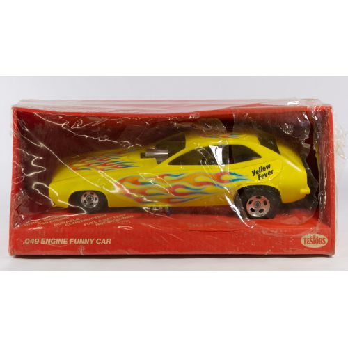 """Testors Fast Ones """"Yellow Fever"""" Pinto Model Tether Car NOS"""