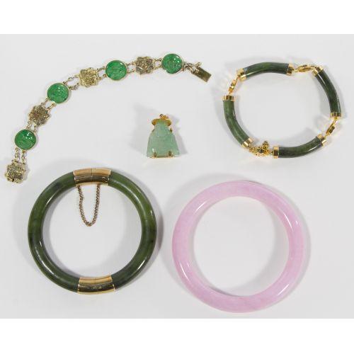 Asian Jadeite and Glass Jewelry Assortment