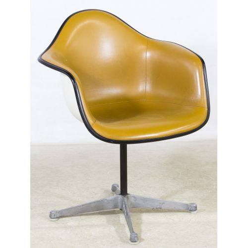 Pleasing Lot 68 Mid Century Modern Leather Swivel Chair By Herman Caraccident5 Cool Chair Designs And Ideas Caraccident5Info