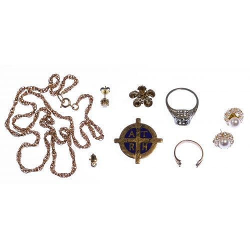 18k Gold, 14k Gold, 10k Gold and 9K gold Jewelry Assortment