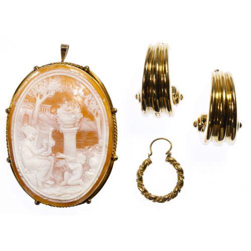 18k Gold Jewelry Assortment