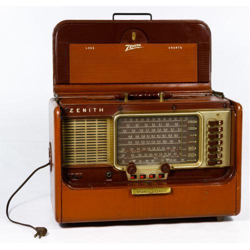 "Zenith Trans-Oceanic ""Wave-Magnet"" Radio"