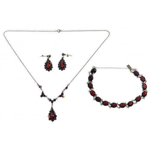 10k Gold and Garnet Jewelry Suite