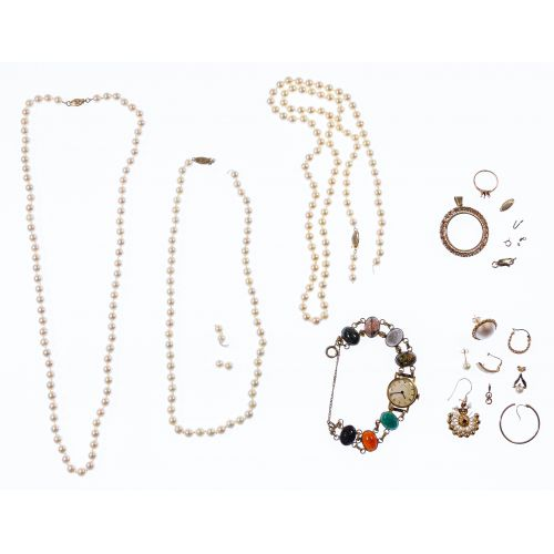 14k Gold Jewelry and Scrap Gold Assortment