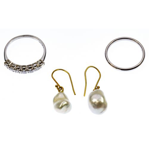 Platinum, Gold, Pearl and Diamond Jewelry Assortment