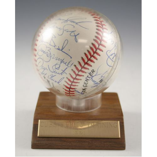 1991 Chicago Cubs Autographed Baseball