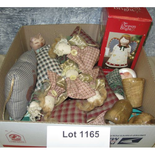 Linen Figurines & Christmas Ornaments