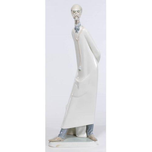 "Lladro #4602.3 ""Doctor (Reduced)"" Glazed Retired"