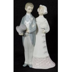 "View 2: Lladro ""Wedding"" #4808 Glazed Retired"
