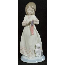 """View 2: Lladro """"A Stocking For Kitty"""" #6669 Glazed Retired"""