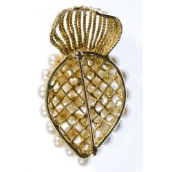 View 2: 14k Gold and Pearl Brooch