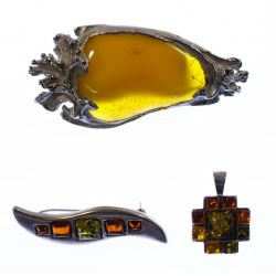 View 4: Amber Jewelry Assortment