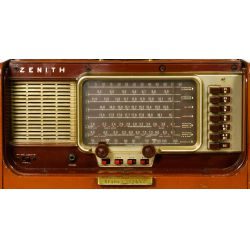 "View 3: Zenith Trans-Oceanic ""Wave-Magnet"" Radio"