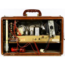 "View 7: Zenith Trans-Oceanic ""Wave-Magnet"" Radio"