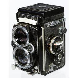 View 2: Rolleiflex DBP DBGM Synchro Compur Franke & Heidecke Camera