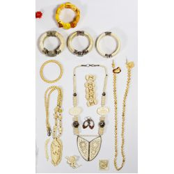 View 5: Costume Jewelry Assortment