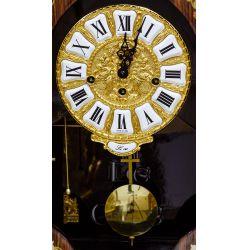 View 4: Le Ore Italian Clock and Table