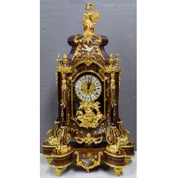 View 2: Le Ore Italian Clock and Table