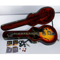 View 11: Gibson 1967 ES 330TD Electric Guitar with Bigsby