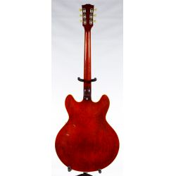 View 2: Gibson 1968 Electric Guitar