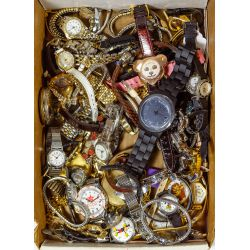 View 5: Costume Jewelry and Watch Assortment