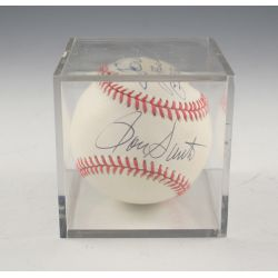 View 2: Billy Williams Signed Baseball & Photo Prints