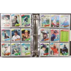 View 4: 1980 Topps Complete Baseball Card Set including Henderson Rookie Card