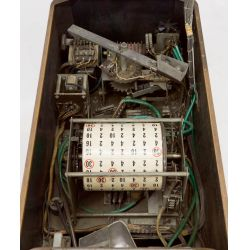 View 3: Buckley Mfg Horse Race Console Nickel Slot Machine