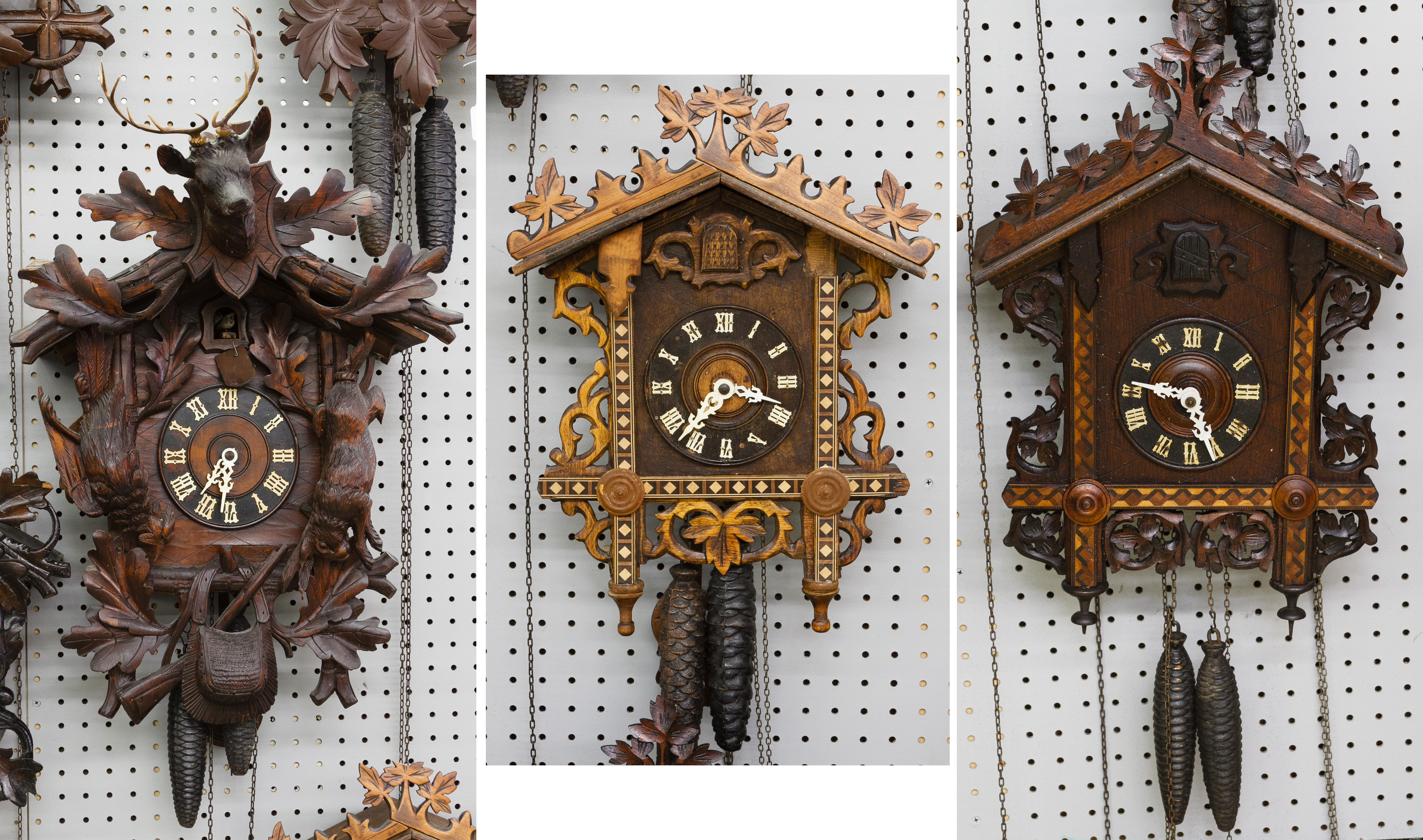 Black forest style wooden cuckoo clocks - Wooden cuckoo clocks ...